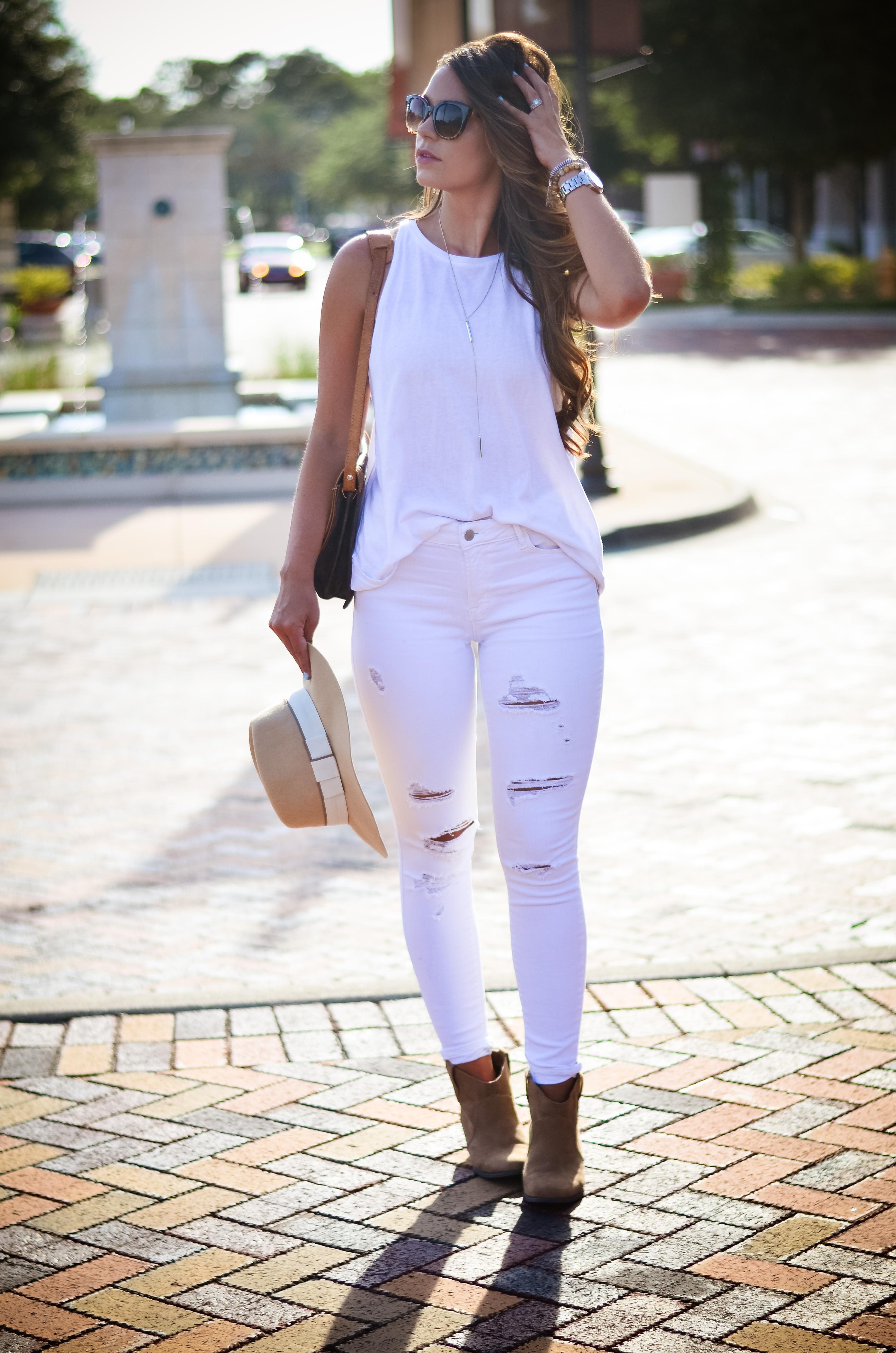 white on white floppy hat hello alley-16