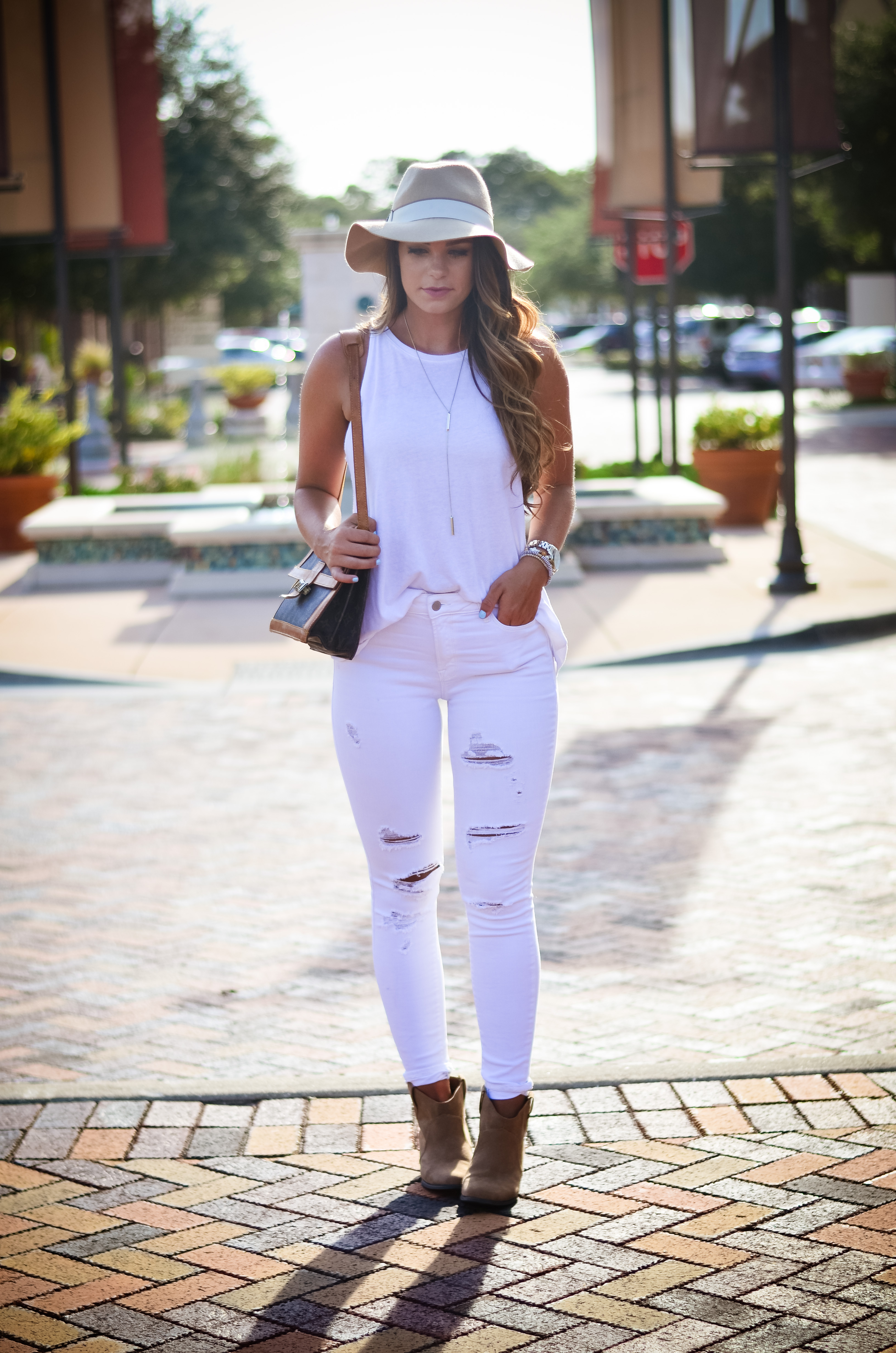 white on white floppy hat hello alley-21