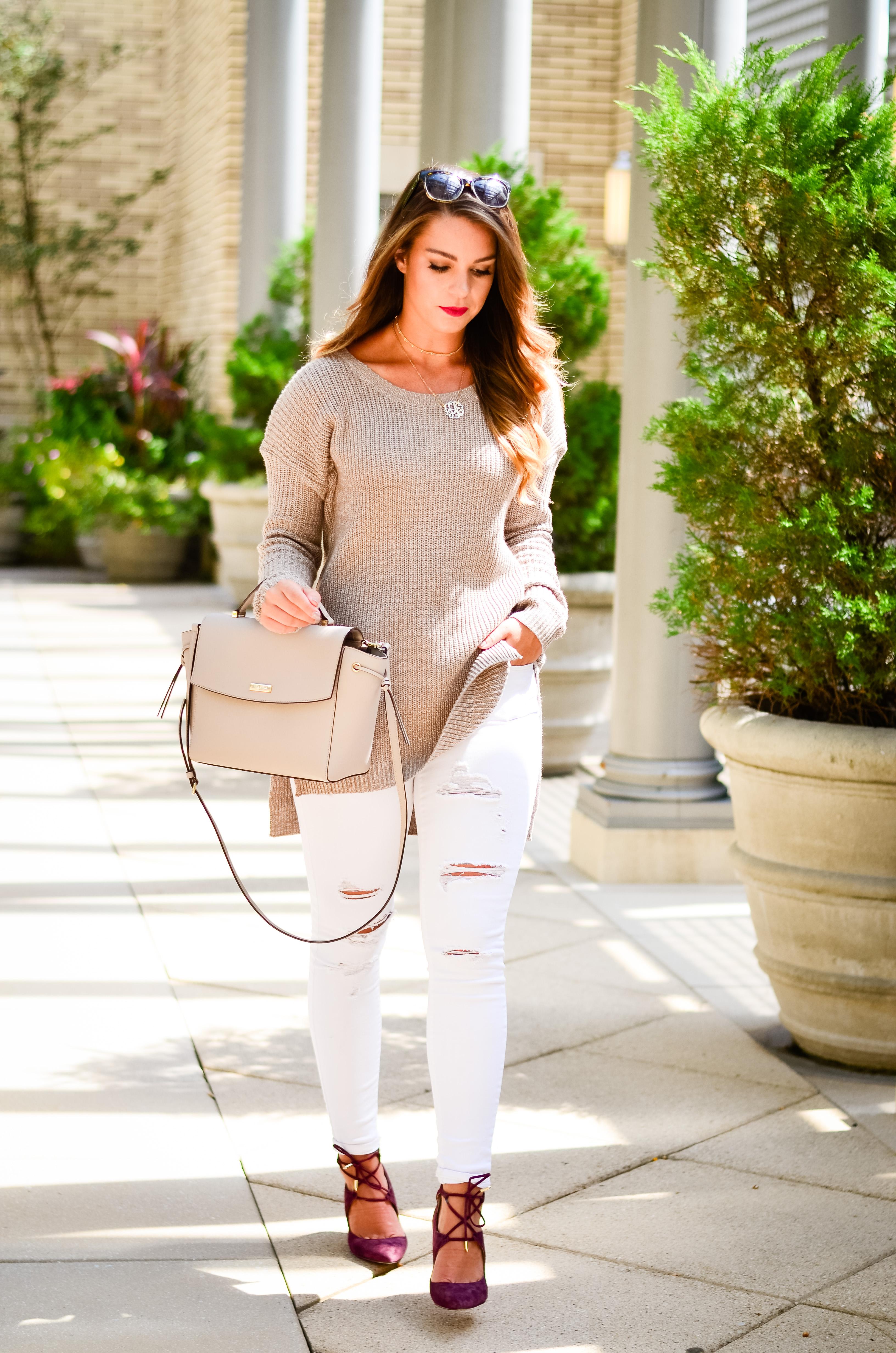 white-denim-oversized-brown-sweater-3