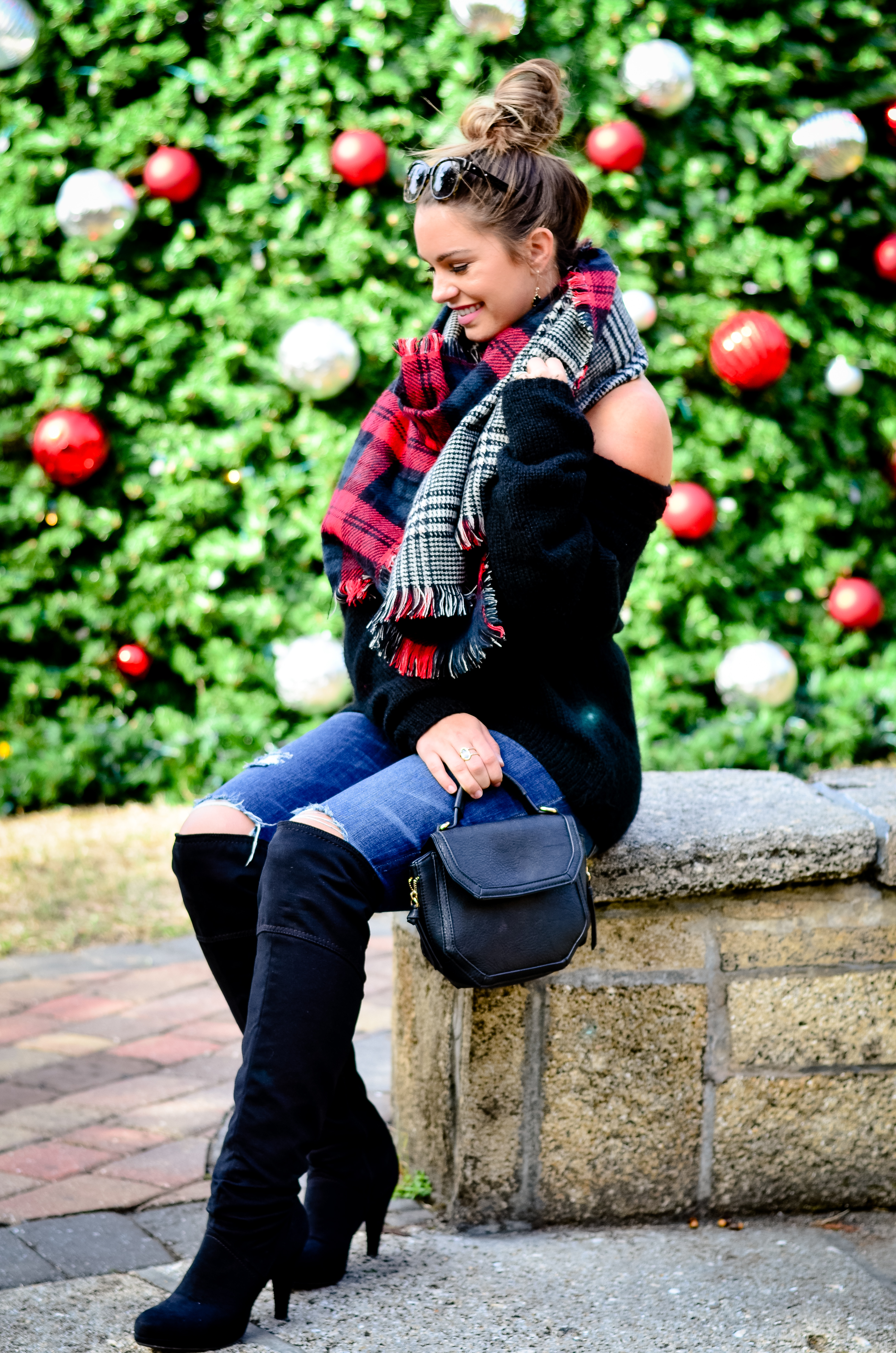 black-off-the-shoulder-sweater-and-christmas-tree-42